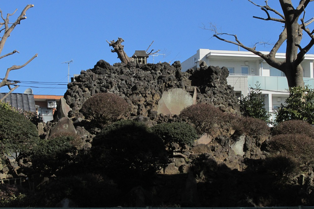 豊島長崎の富士塚・池袋富士塚